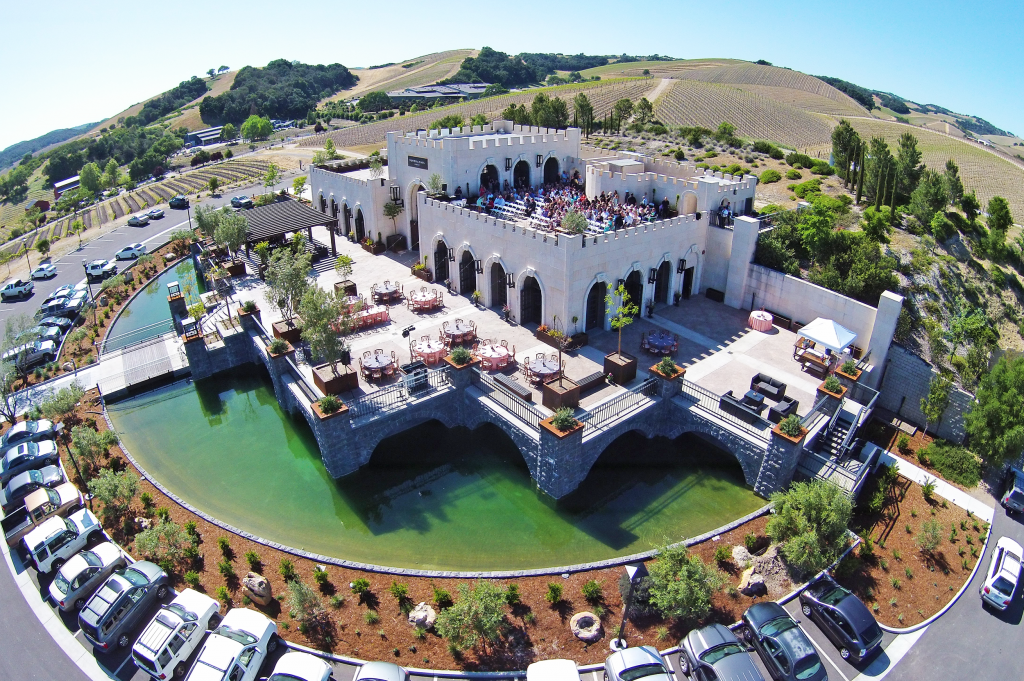 winery tour in paso robles at tooth & nail